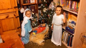 Katelyn and Sienna at manger